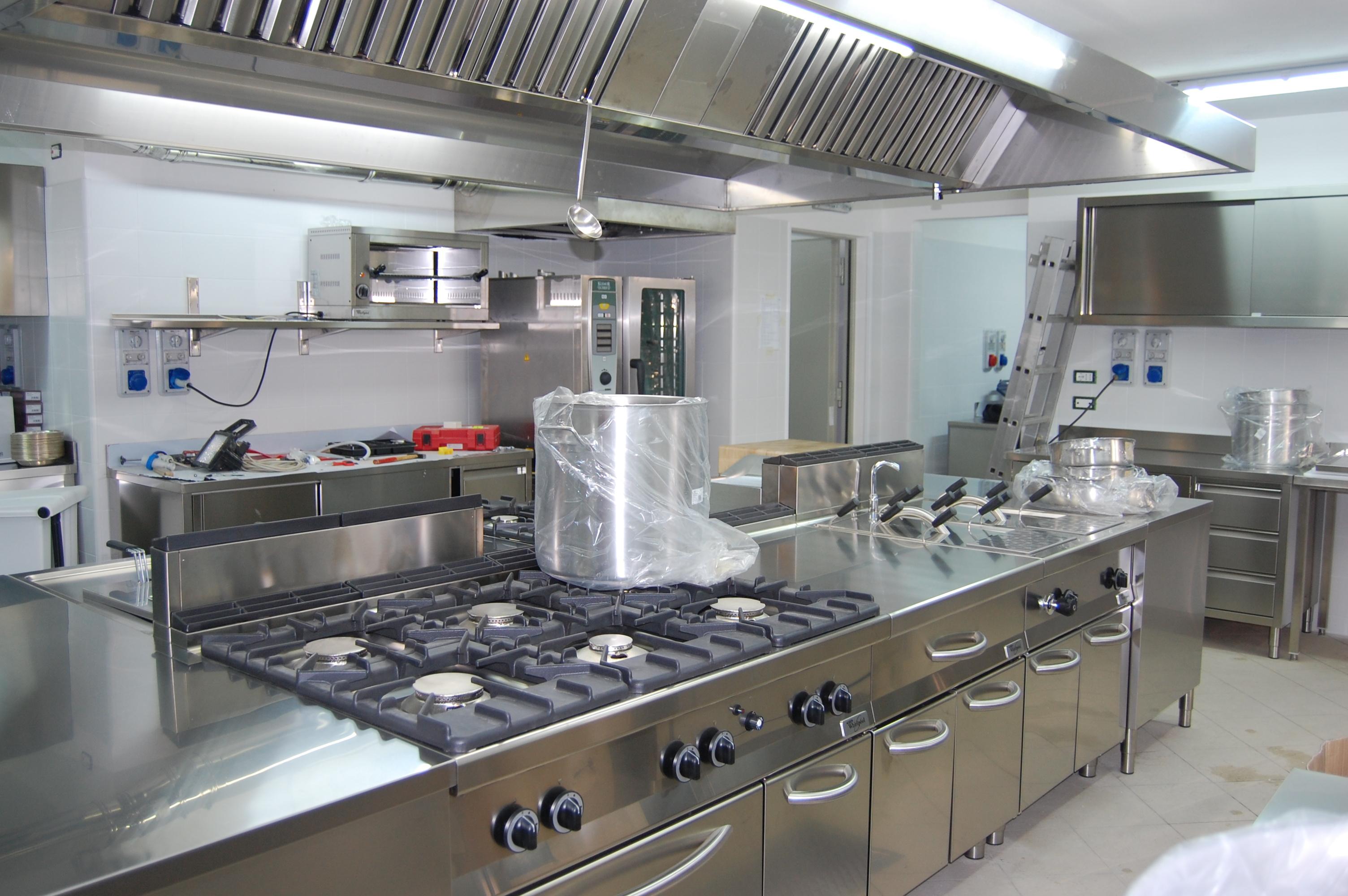 Self service bar ristoranti grandi e piccole cucine for Sat arredamenti