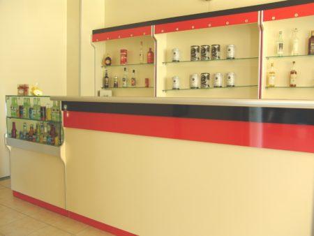 banco bar con vetrina refrigerata