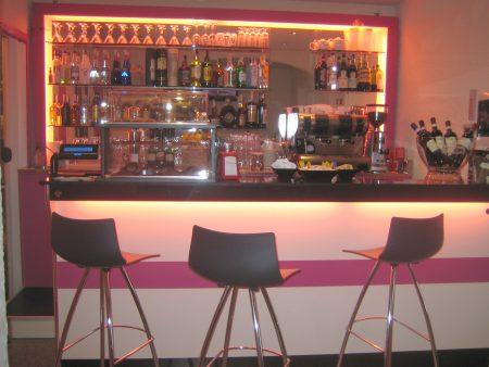 banchi bar moderni